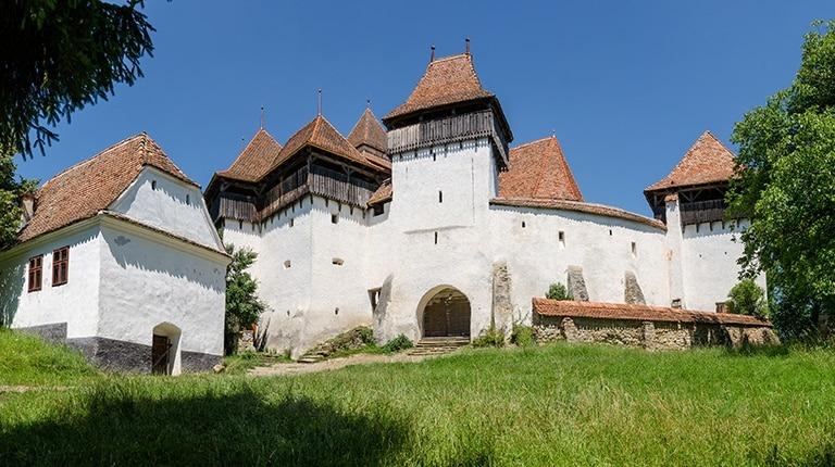 Fortified_church_Viscri_Saxon_village_Transylvania