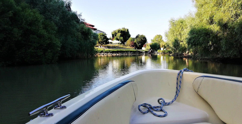 Boat_on_Danube_Delta's_Canals