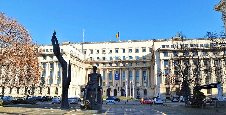 Iuliu Maniu Statue